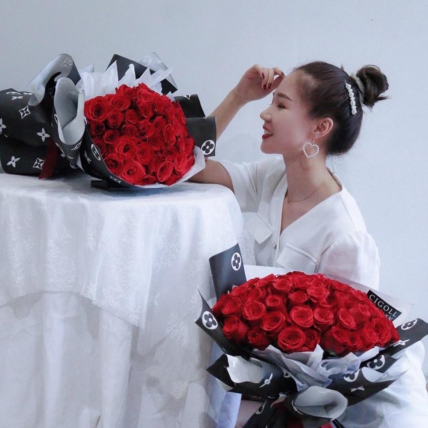 日照市の生花店の同城の速くバラを渡してネットの赤い七夕のバレンタインデーの誕生日の五蓮県は花を送ります。