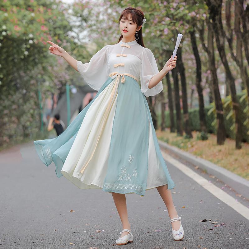 2021夏新款法式复古收腰显瘦国风小清新汉元素刺绣日常连衣裙