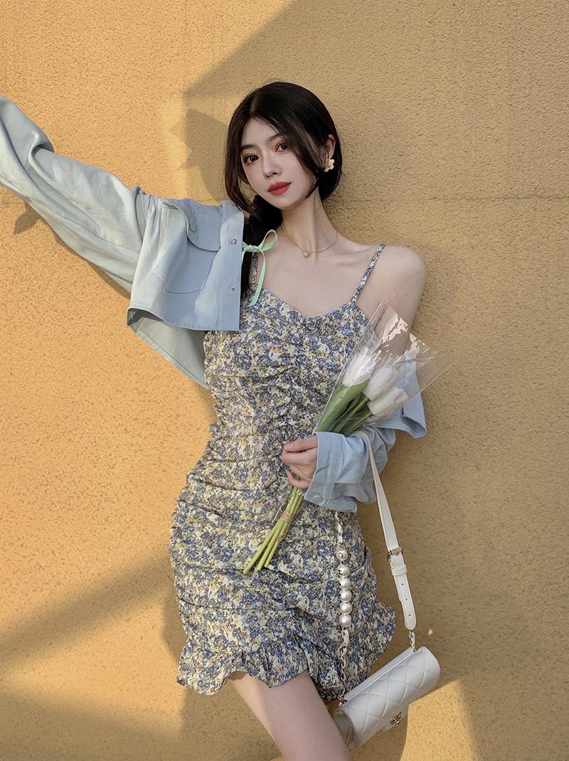 实拍 1211# 时尚翻领修身短外套+褶皱性感碎花包臀吊带裙套装