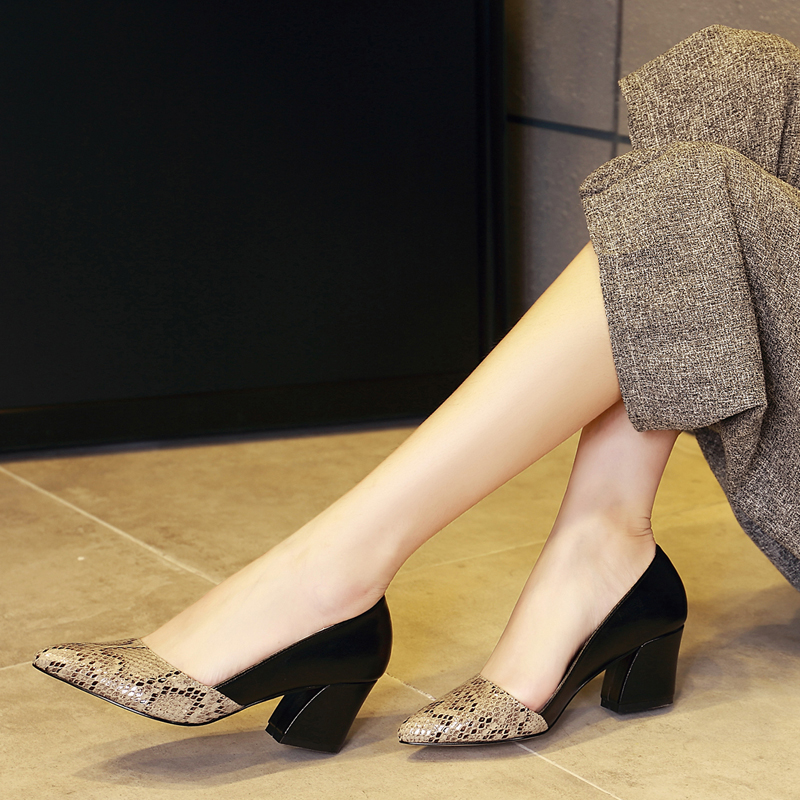 百丽纯爱2018新款女单鞋粗跟高跟浅口职业上班面试真皮工作女鞋子