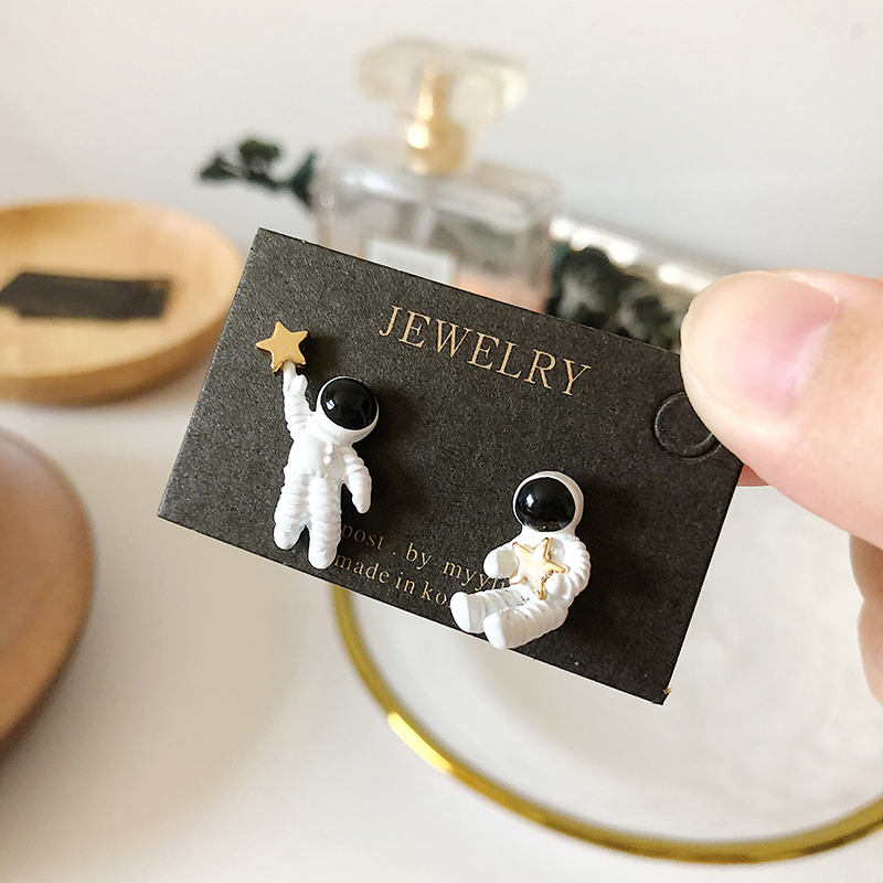 Tiktok astronaut S925 silver needle ear stud, voice and astronaut Korean cute all match anti allergy Earrings