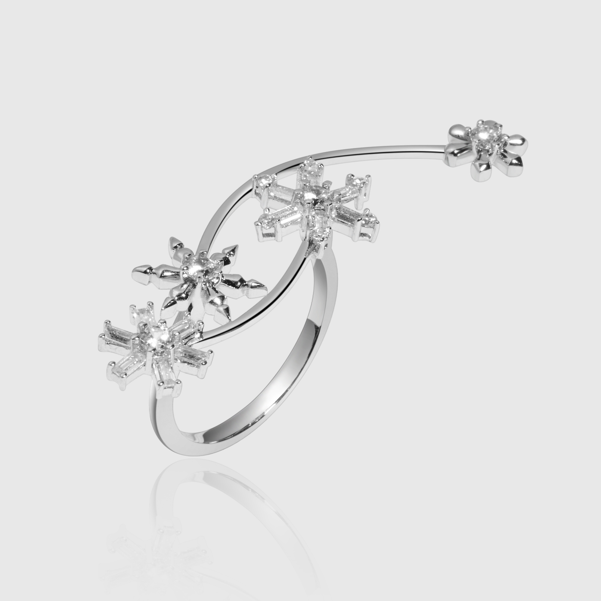 MEDEAR 雪花系列18k白金镶嵌钻石 雪花戒指