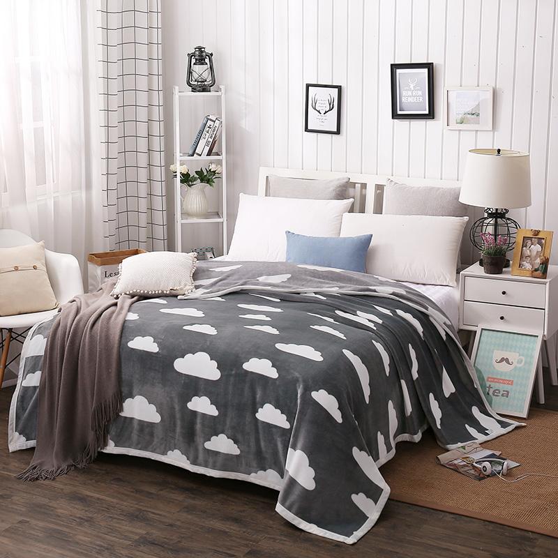 夏季薄毯子毛毯午睡盖毯休闲毯学生单人双人法莱绒空调毯短毛绒2m