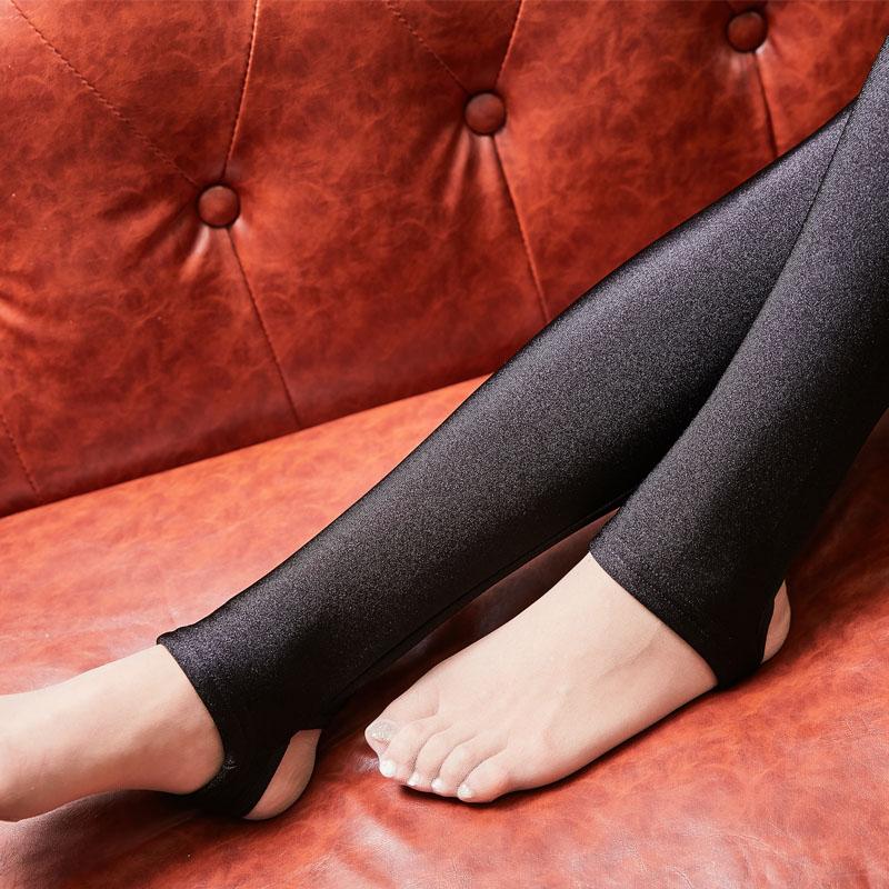 秋冬季加绒加厚打底裤女外穿保暖高腰显瘦踩脚大码小脚长裤光泽裤