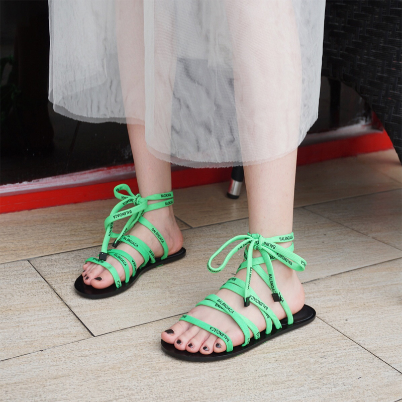 Lace up lace up open toe sandals ladies summer fairy 2019 new fluorescent green letter flat bottom Roman shoes