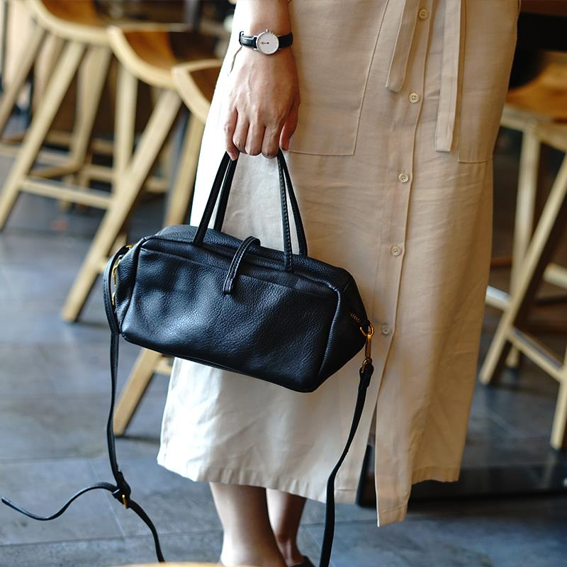Genuine custom simple and practical retro doctor bag leather one shoulder light straddle bag portable commuting leather leisure bag