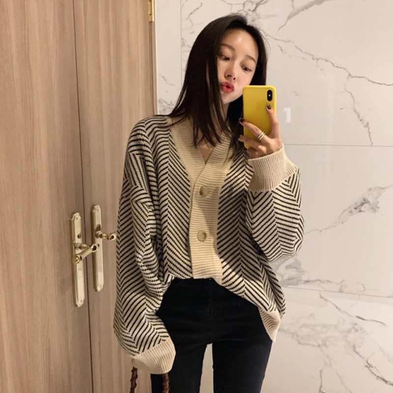 Autumn and winter New Retro lazy wind thickened sweater women loose V-neck stripe knitted cardigan net red student coat