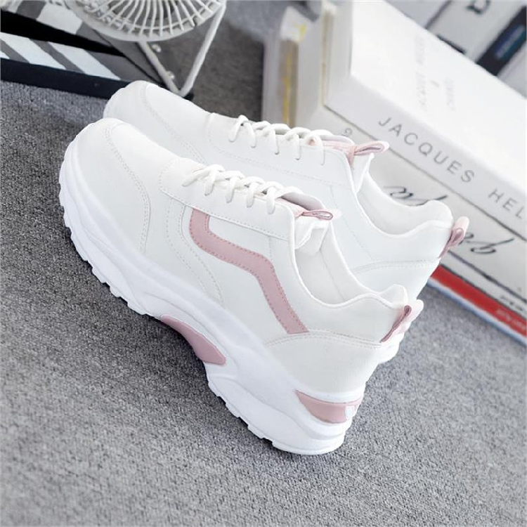Middle aged womens breathable light casual shoes 3O moms spring and summer travel sports shoes 30-40-50 years old