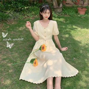 2021夏季法式小众黄色泡泡袖长裙收腰显瘦V领气质初恋连衣裙纯色