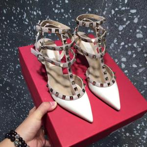 尖头浅口单鞋女21新款T型绑带铆钉高跟鞋包头浅口一字扣网红凉鞋