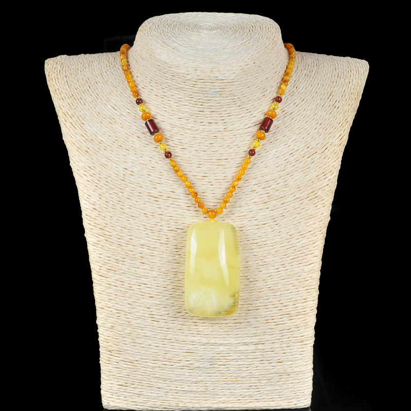 Natural Baltic Amber beeswax Wushi brand atmospheric pendant jewelry send beeswax chain