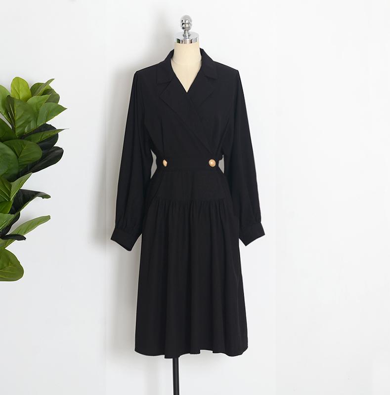 赫本心机小黑裙女2019流行裙子法国复古裙山本过膝黑色收腰连衣裙