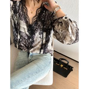 黑色印花蕾丝衬衫时尚气质上衣春季2021设计感流行套头打底衫女