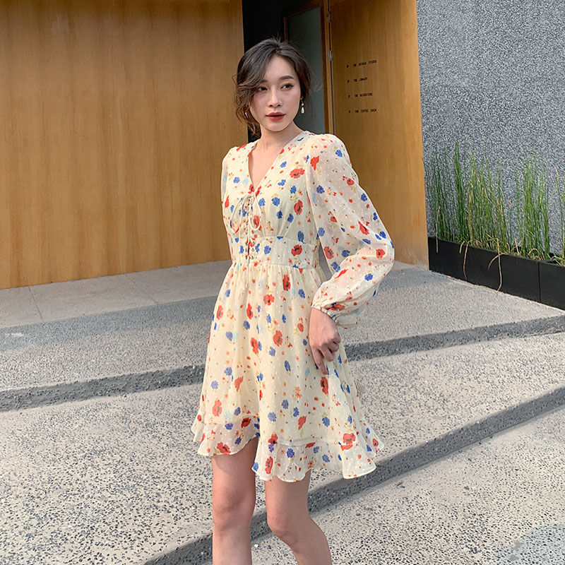 V-neck Chiffon floral dress A-line long sleeve bubble sleeve with lotus leaf Drawstring