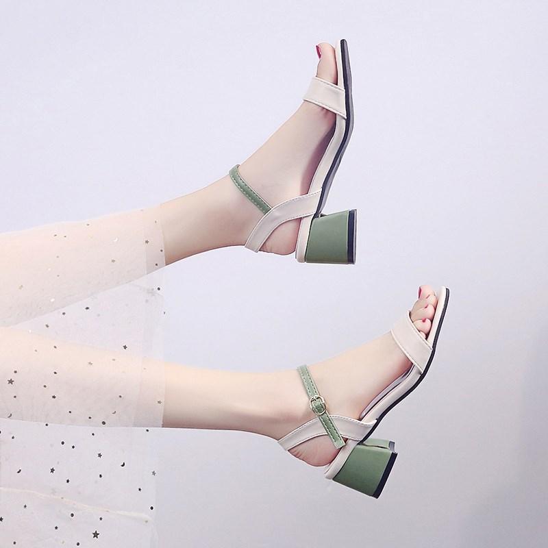 女鞋2020新款时尚百搭中跟粗跟仙女风高跟搭配裙子凉鞋女沙滩度假