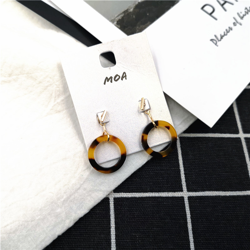 European and American foreign trade jewelry Japan and South Korea simple fashion versatile geometric resin style earrings