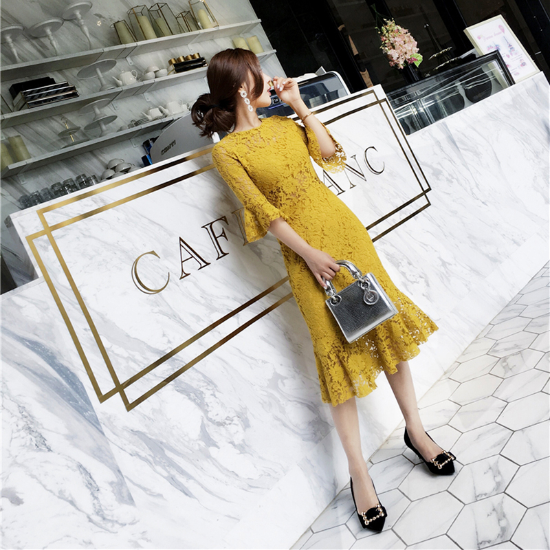 Spring 2020 new lace dress mid long womens Korean version of celebrity temperament slim show thin buttock fishtail skirt