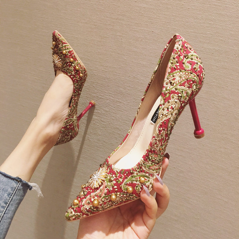 Wedding shoes women 2019 new red high-heeled shoes slim heel versatile net red personalized fashion bridal shoes wedding Xiuhe shoes