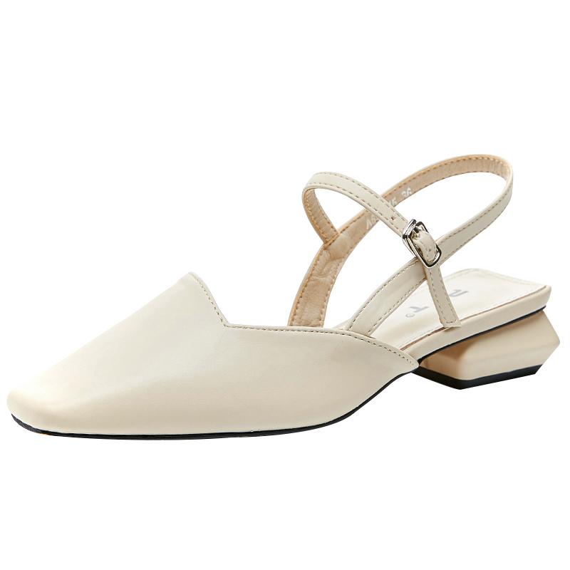 欧洲雨天穿什么鞋子:雨天穿的鞋子