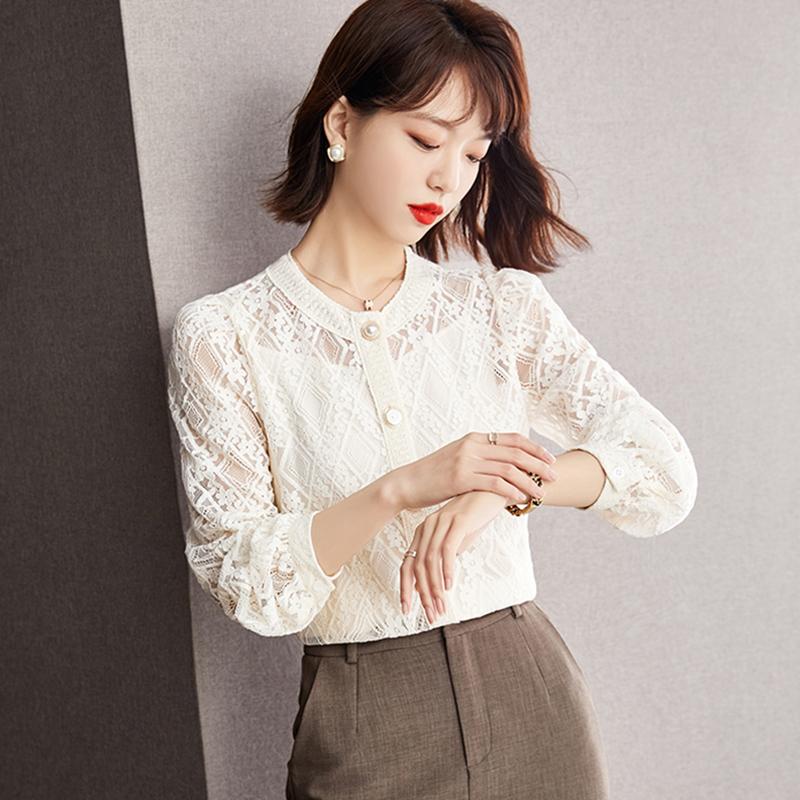 2021年秋季蕾丝上衣女设计感小众内搭打底衫新款时尚洋气长袖衬衫