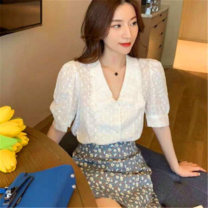 2020 summer new Korean retro small fresh sweet lace shirt loose and versatile baby collar short sleeve shirt for women