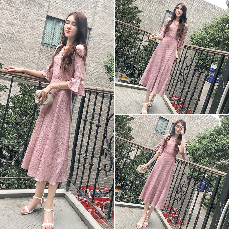 气质长裙女夏季2018新款女装chic慵懒风收腰粉色褶皱奶油连衣裙女