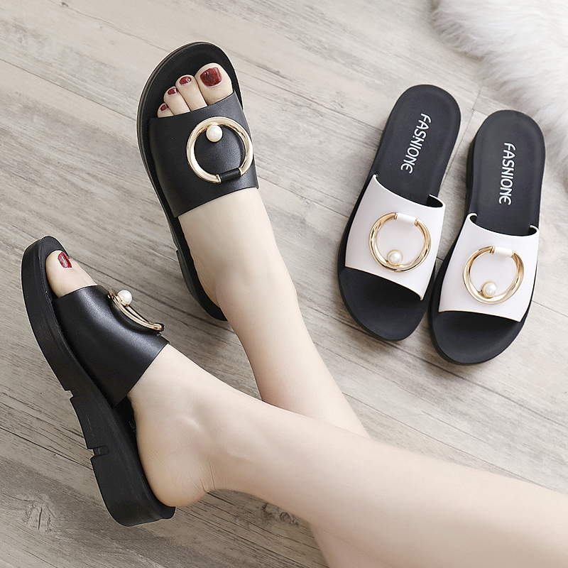 妈妈拖鞋女夏外穿凉拖软底防滑新款中老年时尚女士真皮中年人2018