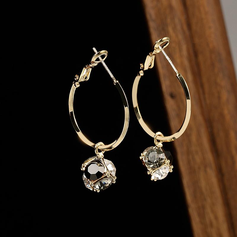 Cool wind Earrings 2020 new fashion design Ganwang red niche Earrings womens circle style pure silver needle Earrings