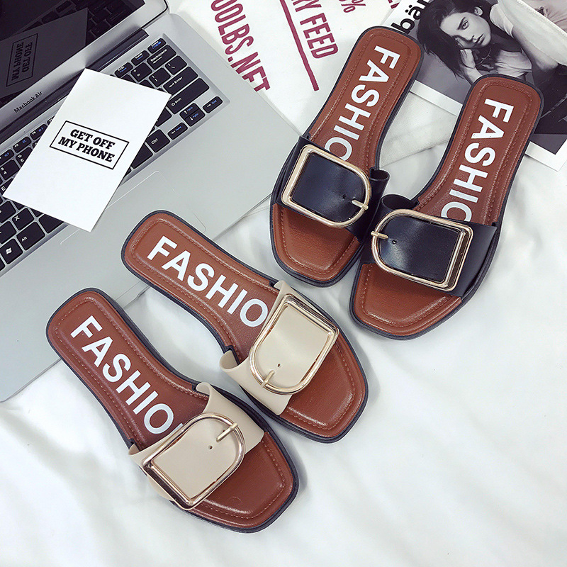 Free square button slippers for women wearing flat sandals in summer