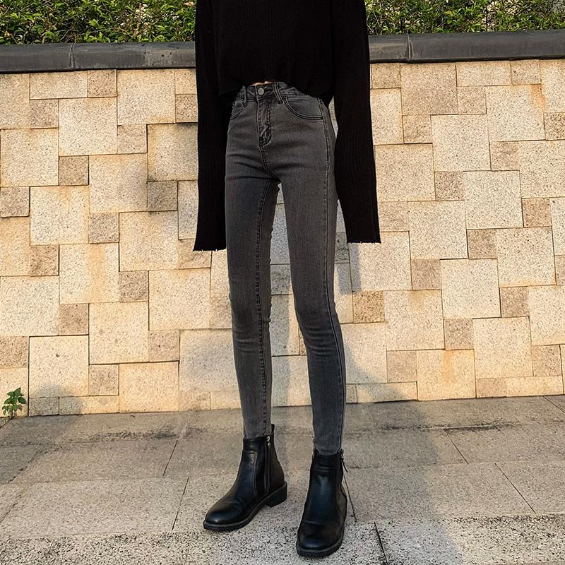 烟灰色加绒牛仔裤女秋季2020年新款高腰显瘦紧身发热小脚裤子冬季