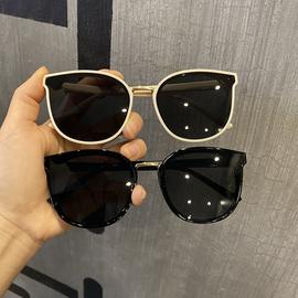 韩版猫耳朵眼镜女米框黑色防紫外线太阳镜网红街拍复古猫眼墨镜女图片