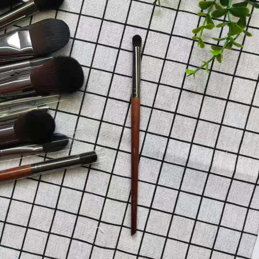 Promotion Cangzhou makeup beauty cosmetics brush factory shop M family series 216 silkworm Brush Medium eye shadow brush makeup brush