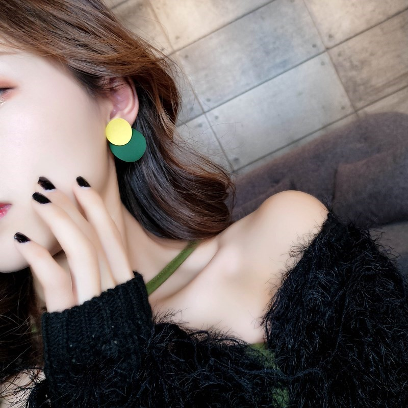 Earrings for short hair female retro geometry Korean cold wind contrast small earrings personality temperament Mini Earrings
