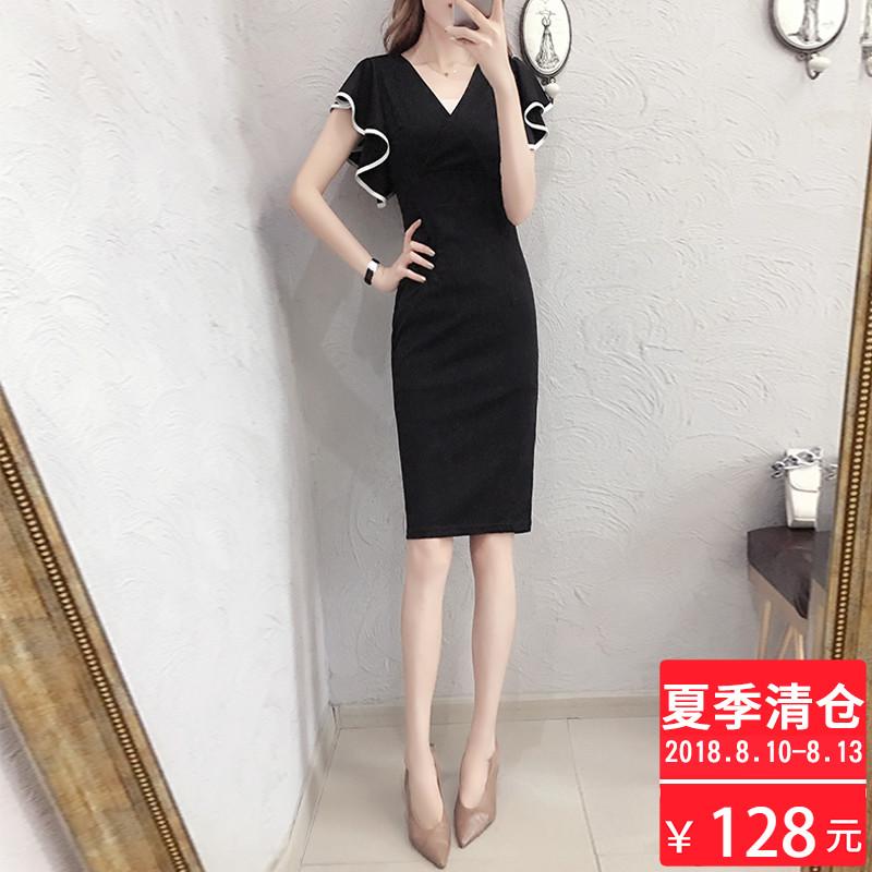 针织连衣裙女夏2018新款黑色心机极简主义裙子V领职业收腰一步裙