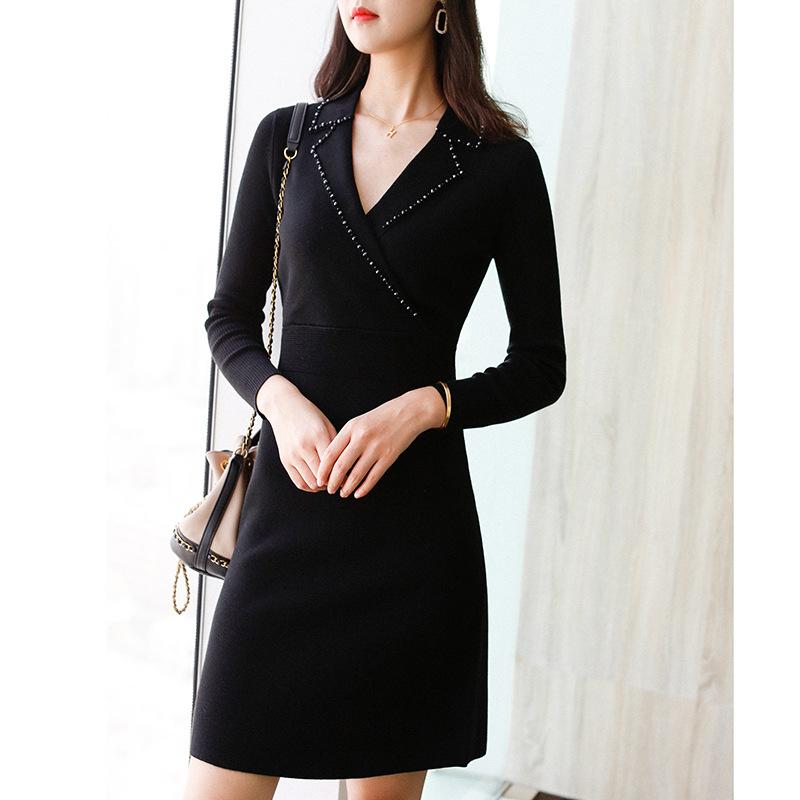 代购气质干练纯色针织连衣裙2020冬季新款简单大气收腰显瘦打底裙