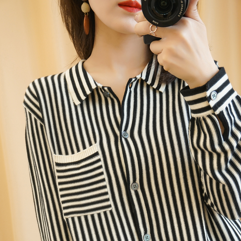 Early spring new long sleeved cardigan womens stripe loose Korean sweater knitted Lapel shirt coat