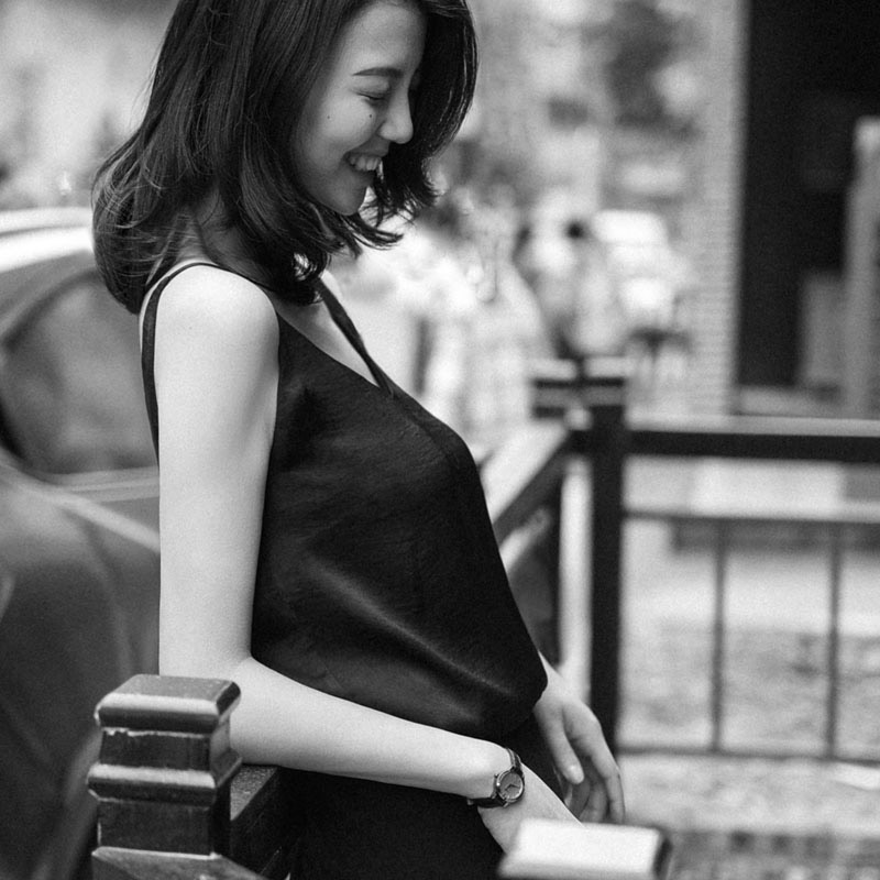 YANG遮副乳超细肩带v领双层吊带哑光缎面绉无袖背心打底衫上衣女