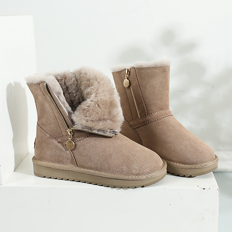 Snow boots, womens fur and fur in one 2020 new winter middle tube boots, thickened and warm, thick soled wool side zipper cotton shoes