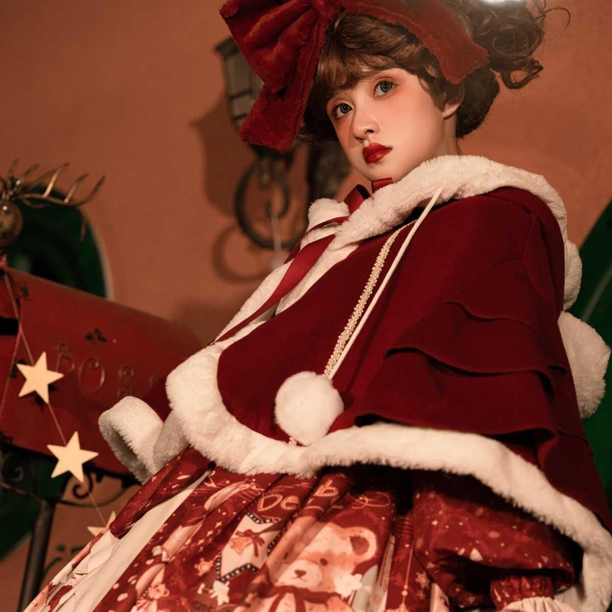 原创新款上衣甜熊礼物屋洛丽塔新年红秋冬可爱Lolit百搭外套斗篷