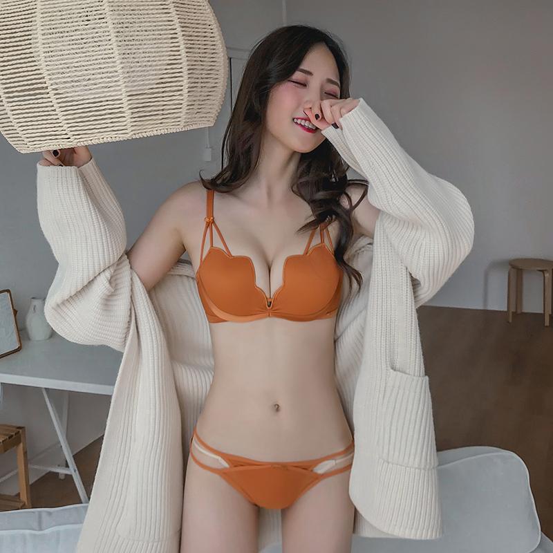 聚拢少女小胸无钢圈套装女收副乳性感惑内衣女文胸上托荷叶杯胸罩