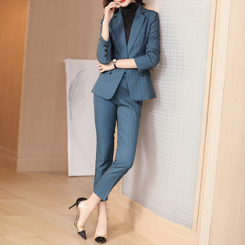 Autumn and winter 2019 new blue stripe Blazer women's suit professional temperament Korean version light luxury suit coat formal