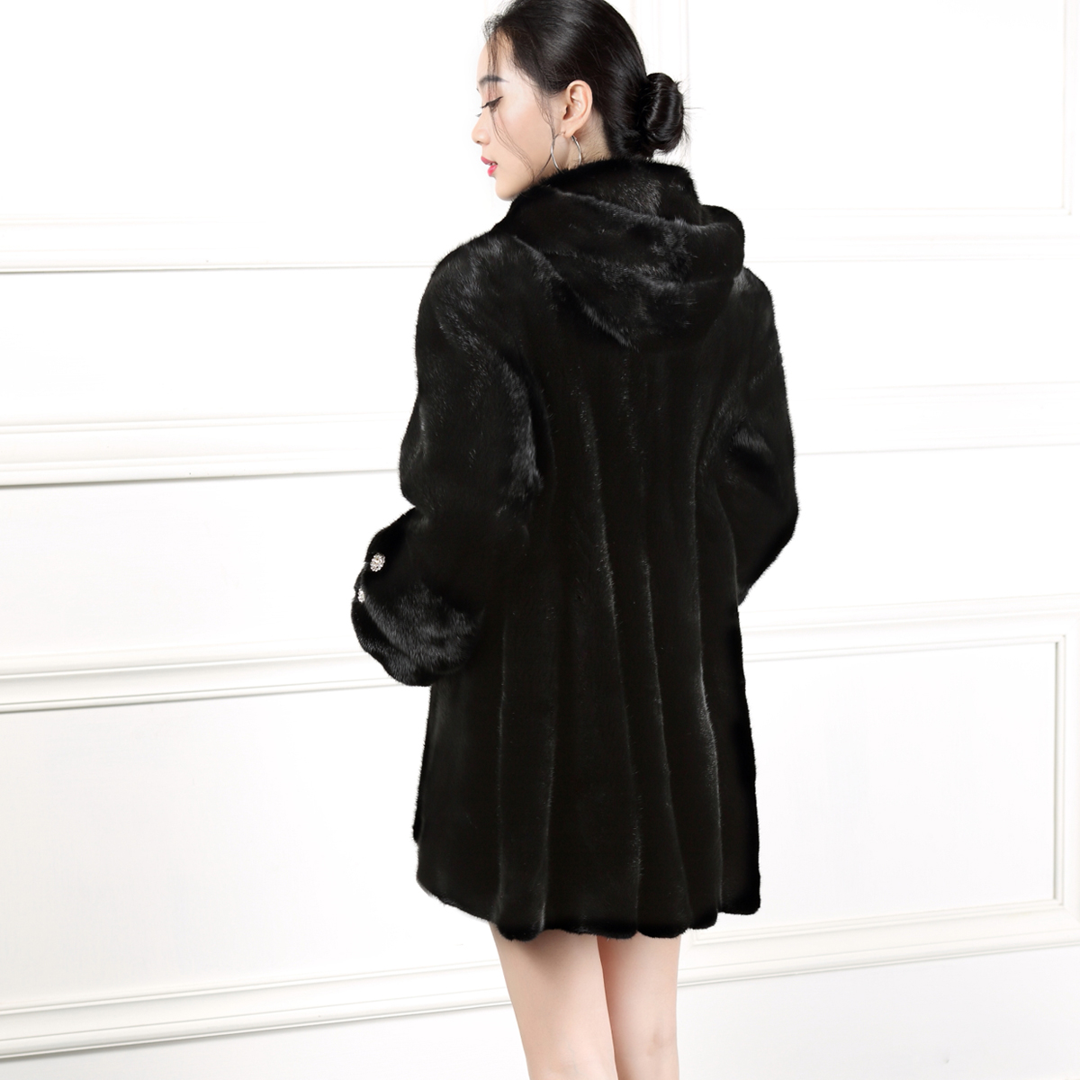 New imported mink fur coat for womens middle and long mink fur coat for womens waistline showing thin, hooded black