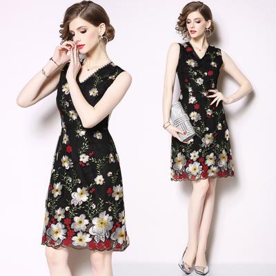 6505-实拍现货2019春夏新款欧美女装高端进口玻璃纱重工绣花V领无