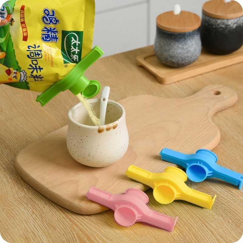 Creative home, daily life, kitchen utensils, sanitary products, household discharge nozzle, department store, lazy artifact