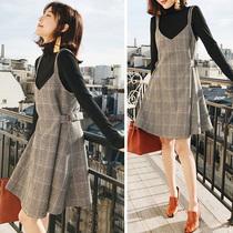 小个子吊带打底裙针织两件套秋冬季修身显瘦毛呢格子背带连衣裙女
