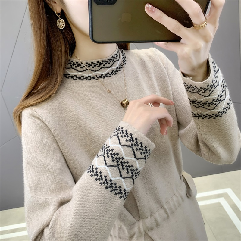 Autumn and winter 2020 new French lady with overcoat over the knee knitted with bottom long skirt sweater dress