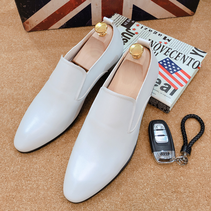 Mens leather shoes mens Korean fashion mens versatile leather British business suit pointy white casual single shoes