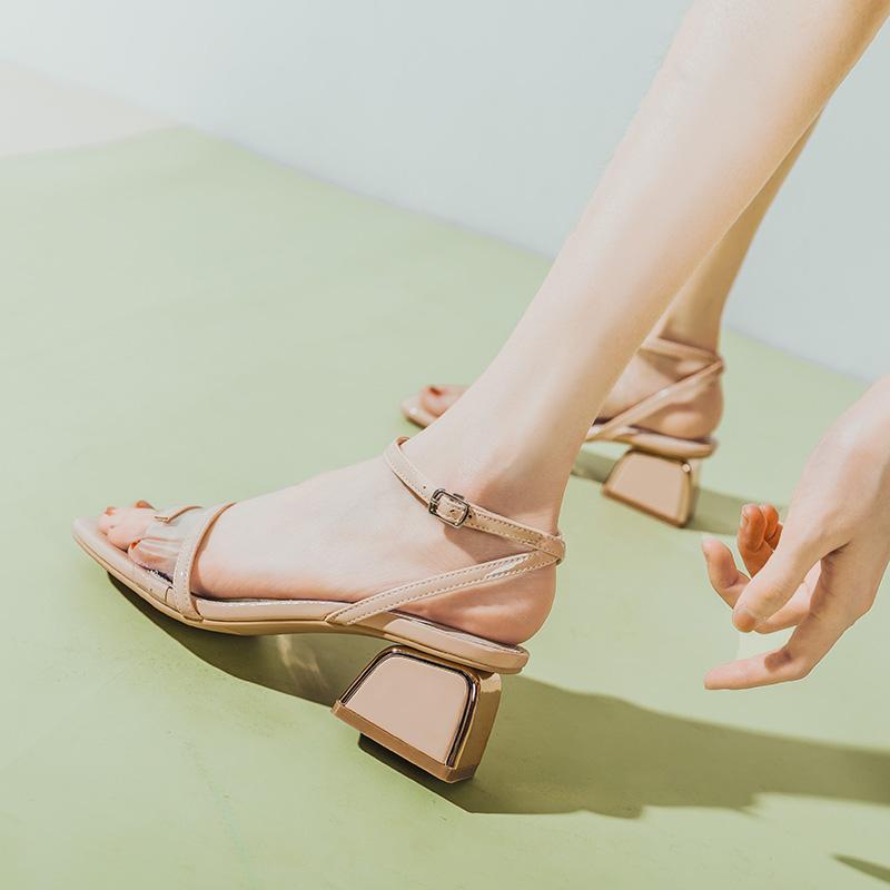 涼鞋女2020年新款夏季一字帶高跟中跟時裝百搭羅馬粗跟仙女風透明