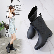 Korean fashion rain shoes female medium cylinder anti-skid velvet &; Boots boots adult flat rubber shoes waterproof shoes water shoe woman