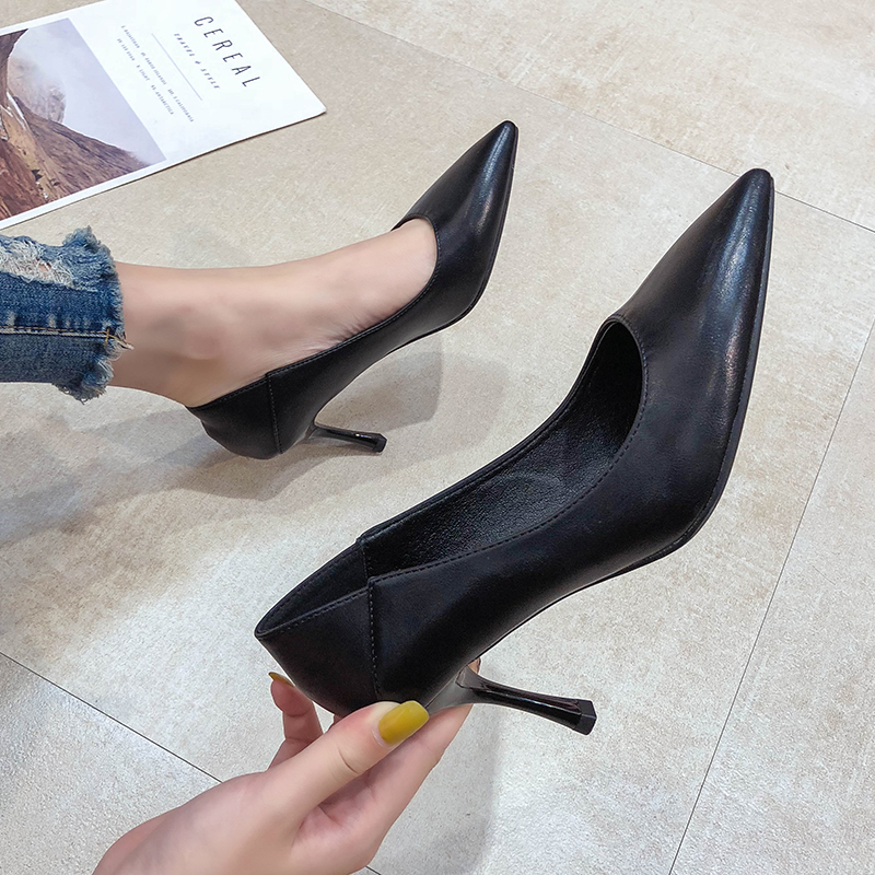 Soft leather black professional high-heeled shoes dont wear feet, womens comfortable cat with slim heel, suit comfortable and sexy, pointed head 5cm